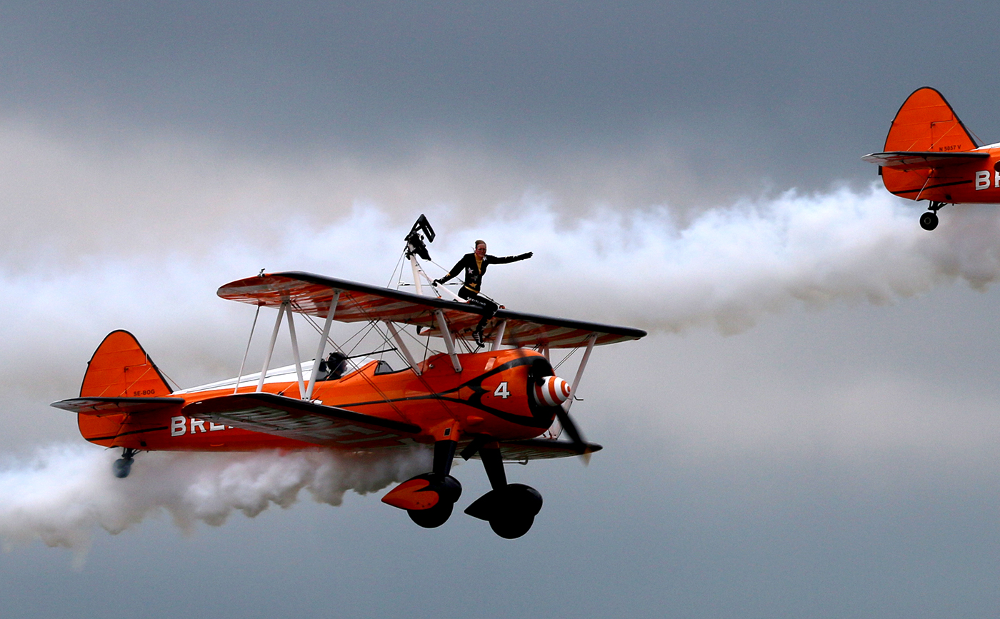 Follow THAT Plane - ACC 2-150429_ex20140720-Farnborough-FIA-Breitling-WingWalker_exIMG_1093