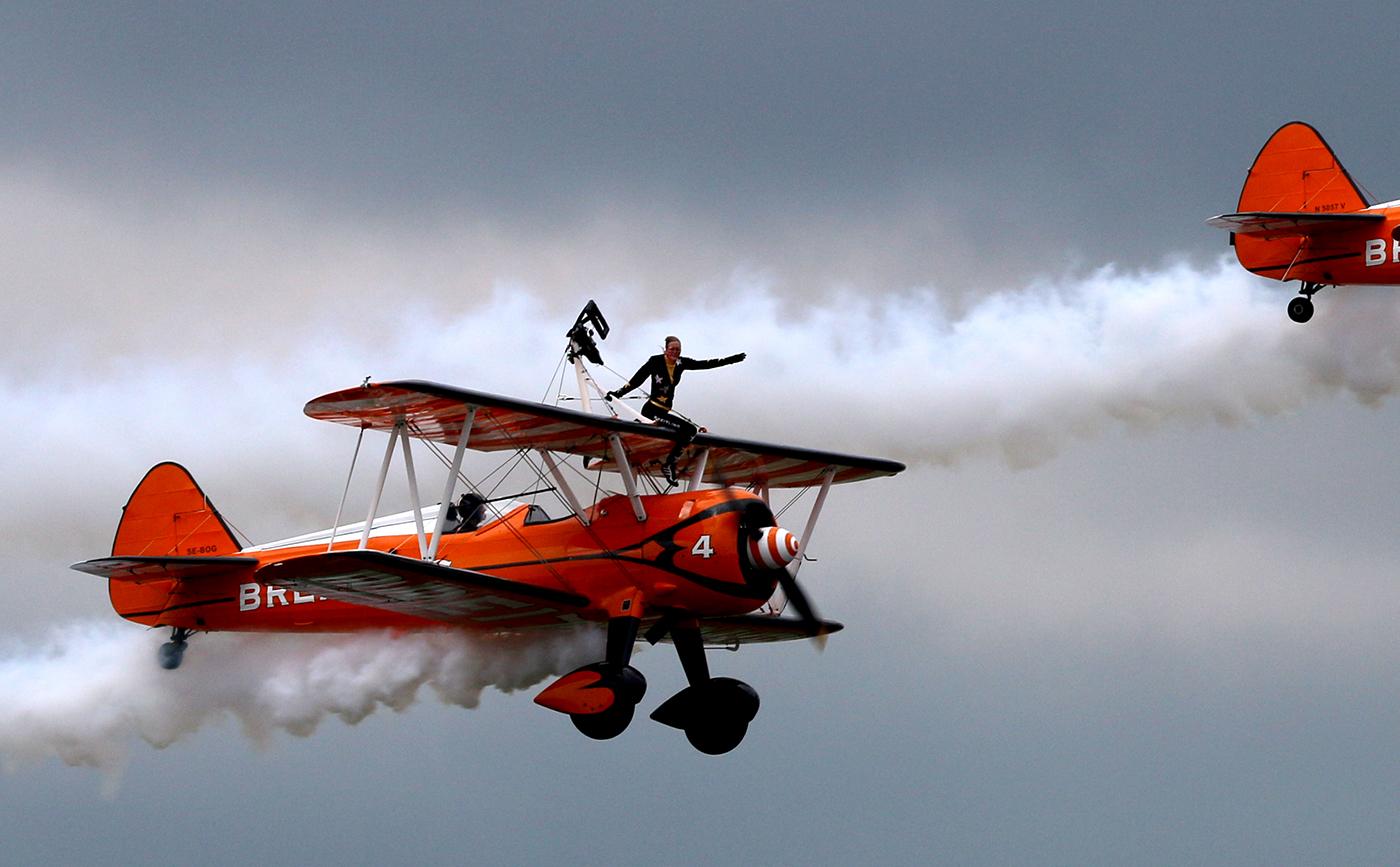 Follow THAT Plane - ACC 2-150429_ex20140720-Farnborough-FIA-Breitling-WingWalker_exIMG_1093